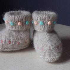 Chaussons bébé tricot en laine douce, brodés avec perles tricotées, 0/3 mois