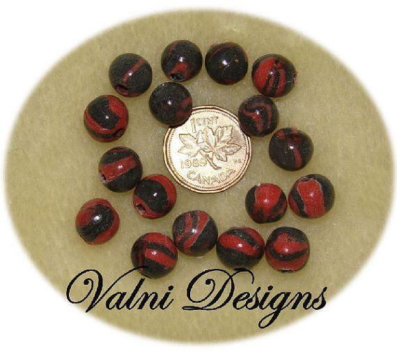 17 Perles Fait à la main en Porcelaine Froide par ValniDesigns, $1.70