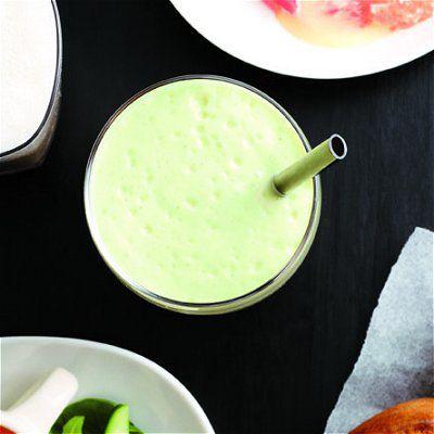 Synonyme de fraîcheur et de journée ensoleillée, le melon d'eau est un allié de force pour affronter le mercure lors des chaudes journées d'été. En tranches, dans un cocktail ou en salade, on le cuisine en 10 recettes faciles!