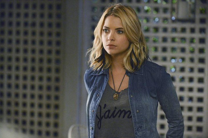 Pin for Later: So, How Old Is Everyone in the Pretty Little Liars Cast? Hanna Marin (Ashley Benson) Hanna's Age: 23 Benson's Age: 26
