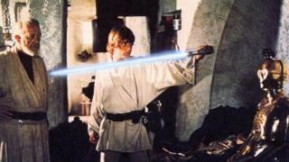 La sorprendente historia sobre la creación del sable de luz (y otras cosas) de Star Wars - https://www.vexsoluciones.com/noticias/la-sorprendente-historia-sobre-la-creacion-del-sable-de-luz-y-otras-cosas-de-star-wars/