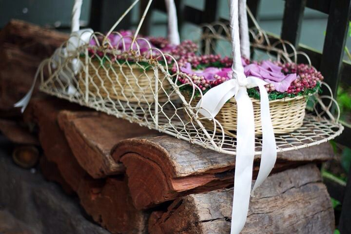 Flowergirl baskets made by Lily+Moss