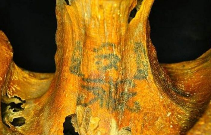 10 археологических находок, проливающих свет на жизнь в Древнем Египте Религиозные татуировки