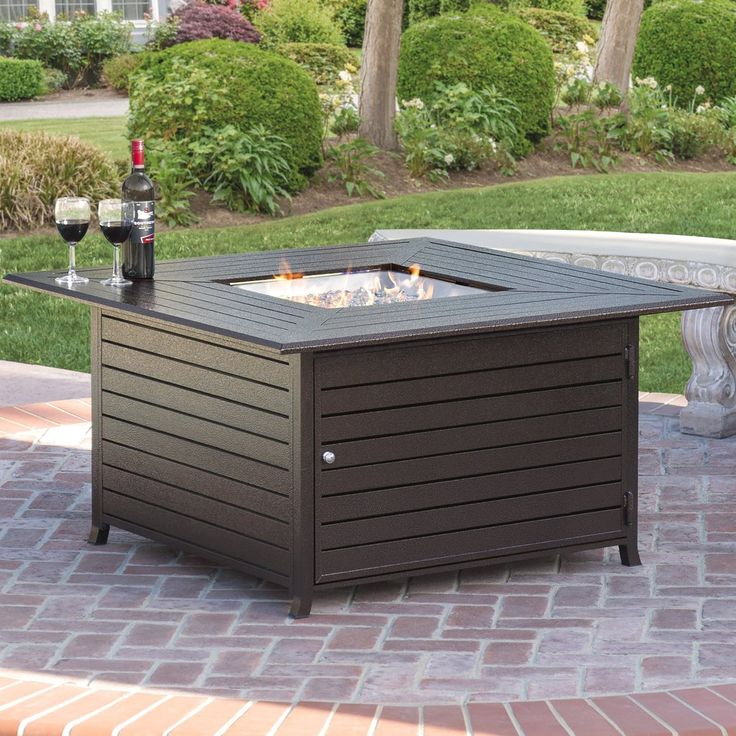 Add a modern spin on the traditional fire pit with this Aluminum Extruded Gas Fire Pit, which operates at a 42,000 BTU output and features a weather-resistant a