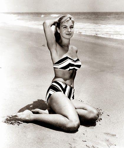 Vintage Glamour Girls: Joanne Woodward