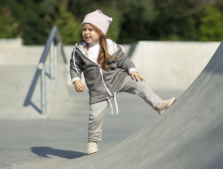 Long sweatshirt for active kids ;)