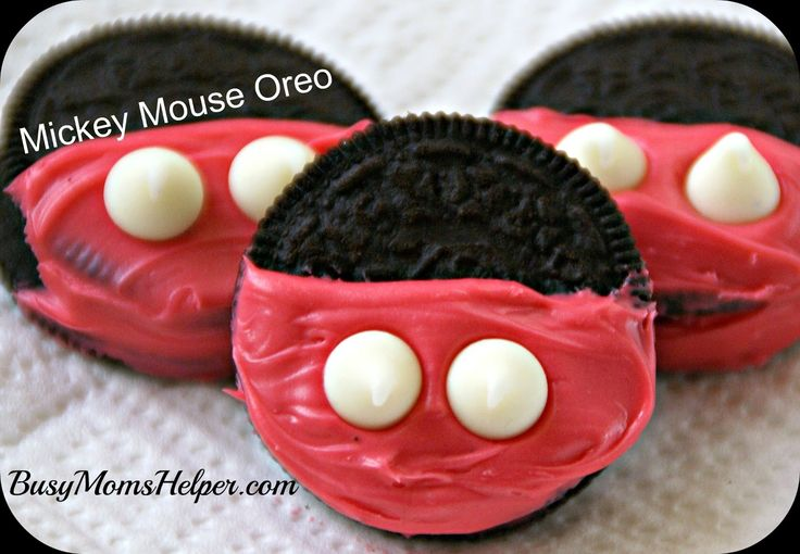Busy Mom's Helper: Mickey Mouse Oreos (so cute for a Mickey-themed party!)