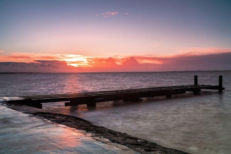 Sonnenuntergang vor  aufziehendem Sturmtief - Sonnenuntergang vor einem aufziehenden Sturmtief  Sunset in front of some great clouds