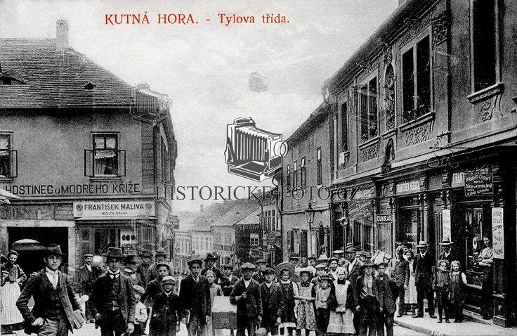 Kutná Hora, Tylova třída.  Dobová pohlednice z roku 1909.