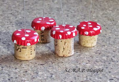 ~ S.C.R.A.P. ~ Scraps Creatively Reused and Recycled Art Projects: Mushroom Christmas Tree Ornaments