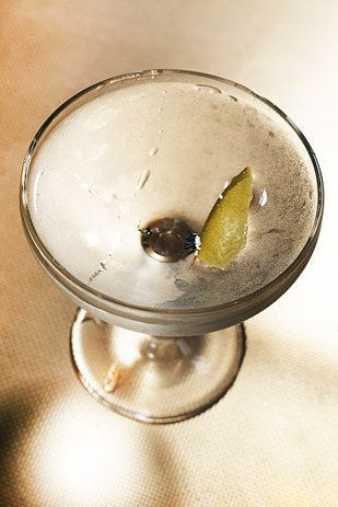 And here's how to make the perfect extra-dry martini. | 17 Ways You're Drinking Your Gin And Tonic Wrong