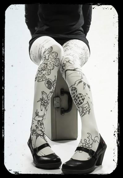 Collants imprimés Lili Gambettes Yoshi white en vente sur www.chic-ethnique.com