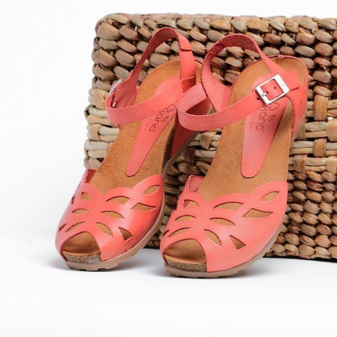 Libertad natural en cada pisada con YOKONO CAPRI 🌿🌿 www.yokono.es #yokonoshoes #shoes #zapatos#moda #fashion #hechoenespaña #natural