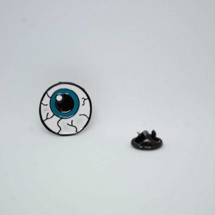 """Значок на одежду """"Человеческий Глаз"""""""