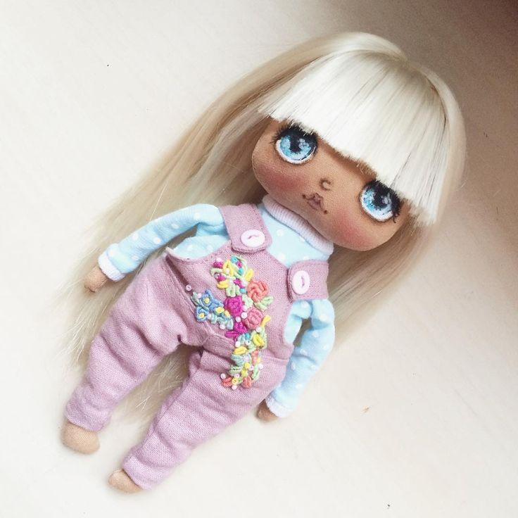 Вышивка готовазавтра в 11.00 жду желающих #кукла #куколка #doll #artdoll #олли #куклаолли