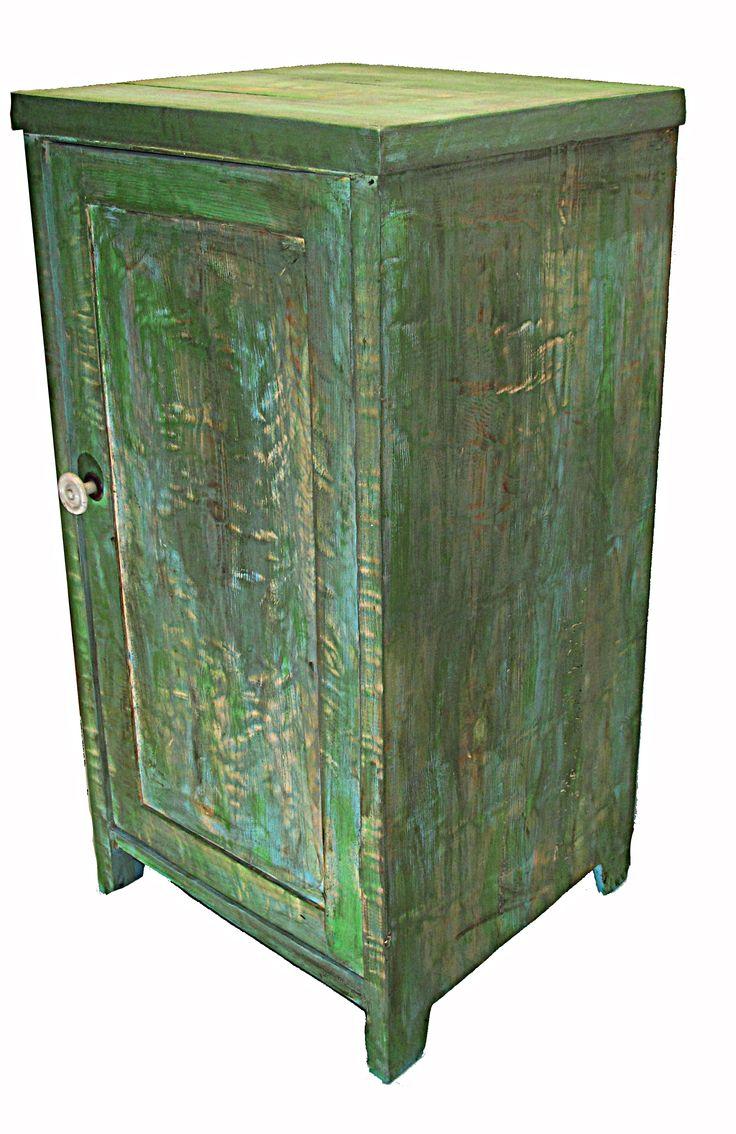 Vintage komoda - ruční výroba ze starého a nového dřeva.