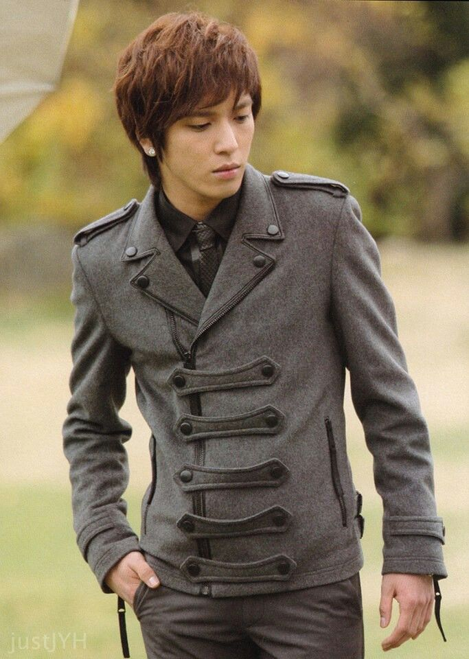 Yong Hwa http://yogi14.com    Come visit kpopcity.net for the largest discount fashion store in the world!!