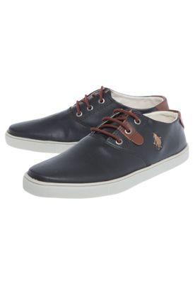 Me pongo estos zapatos cuando voy a la escuela. Son negros y los cordones son marrones. Mi número es ocho.