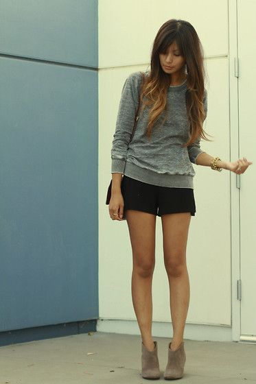 Either or. (by Megan  Rose) http://lookbook.nu/look/2594149-Zara-Sweatshirt-Shorts-Either-Or