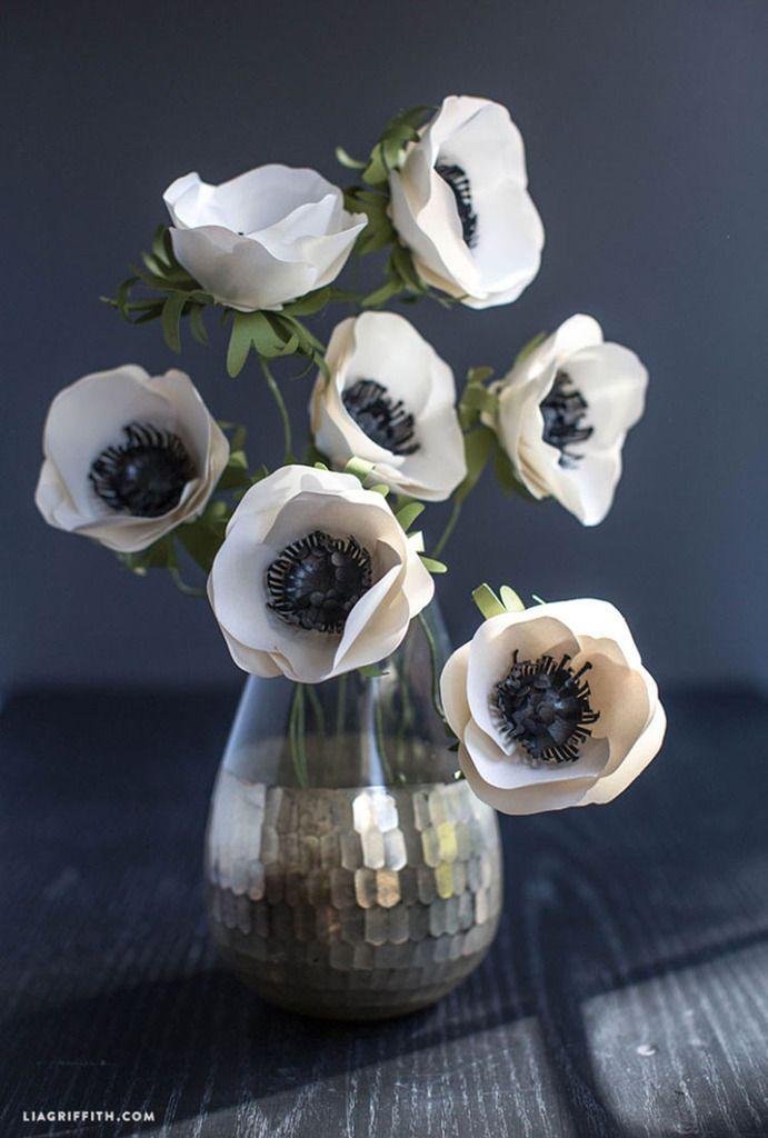 Une imprimante, des ciseaux et hop faites-vous un magnifique bouquet d'anémones ! Que cette journée vous soit douce et créative.