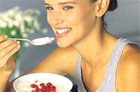 El primer paso para elegir la mejor dieta para ti es acudir con tu médico o nutriólogo y conocer la razón por la que se dificulta la pérdida de peso. Esto es esencial para trazar el plan de alimentación adecuado para ti.