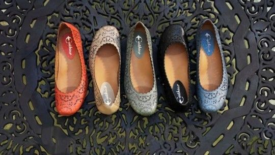 I love a good flat with arch support. 5 Graceful Flats with Good to Excellent Arch Support