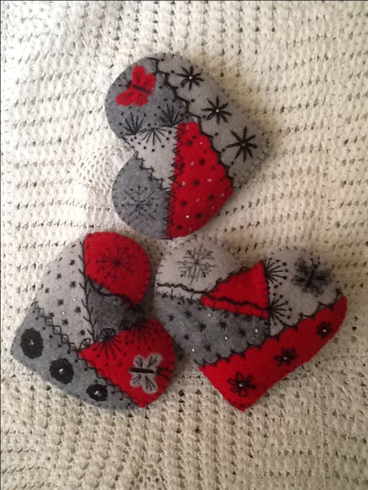Crazy quilt felt hearts for wedding thank yous