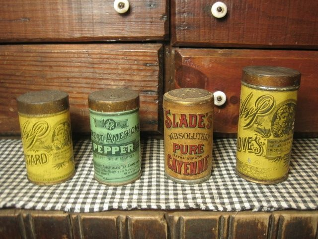 17 best images about vintage spices on pinterest vintage for Retro kitchen set of 6 spice tins