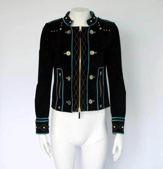 Hello Im glad youre here VINTAGE PANDORA shop  I offer vintage GUCCI jacket 100%…
