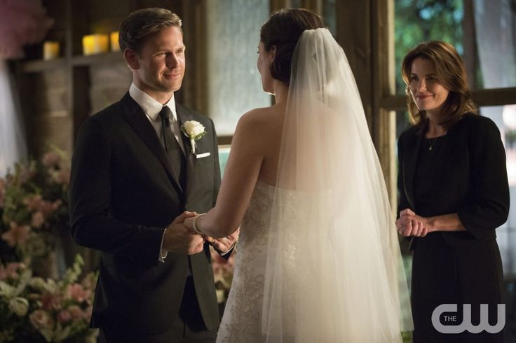 """Vampire Diaries -- """"I'll Wed You in The Golden Summertime"""" -- Image Number: VD621b_0268.jpg -- Pictured (L-R): Matt Davis as Alaric and Jodi Lyn O'Keefe as Jo -- Photo: Bob Mahoney/The CW -- © 2015 The CW Network, LLC. All rights reserved."""