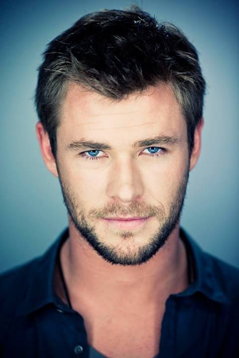 Chris Hemsworth by Michael Muller I don't know how actresses that work with him control themselves! <--- I don't know, man, Tom's pretty tempting too. Okay, really tempting. REALLY REALLY tempting. But that's okay. I'm fine. Really.
