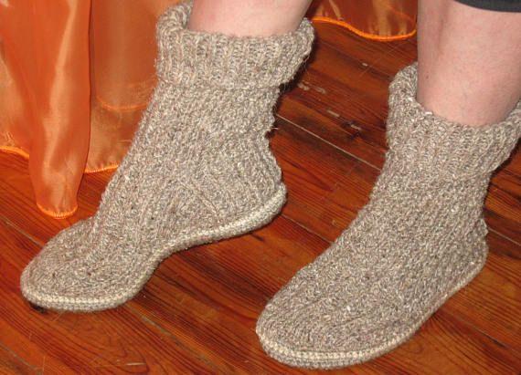 596e7cb2acd31 Slipper boots for men, Crochet woolen slippers with felt sole ...