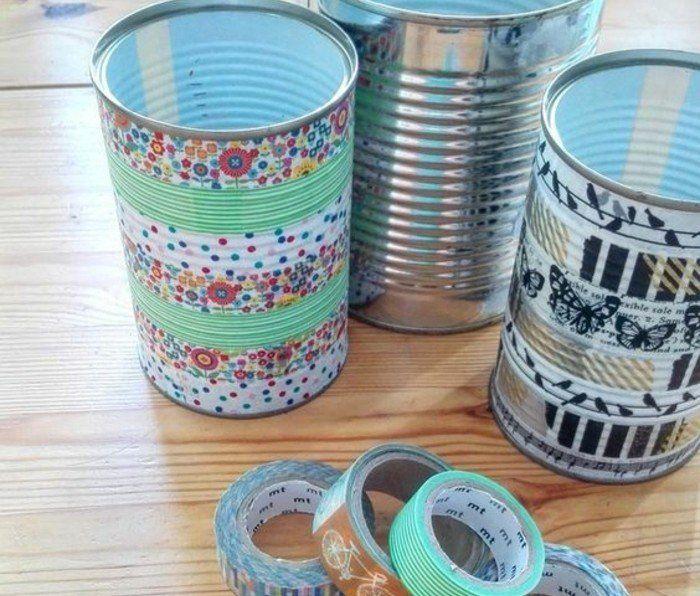 recycler des boites de conserve pour les transformer en superbes vases à motifs divers, idée que faire avec du masking tape