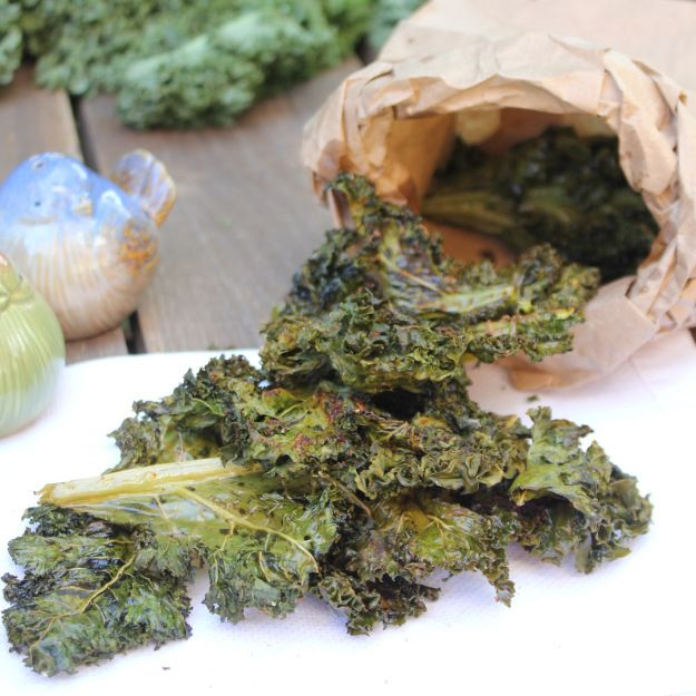 Baked kale chips recipe with chili powder | Kale, Chili ...