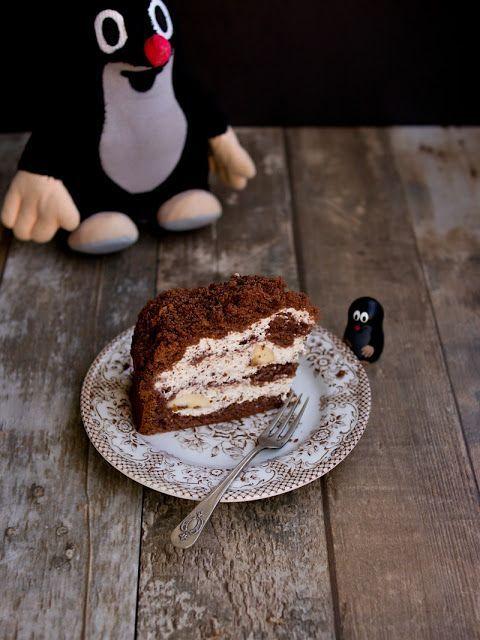 Pamatujete, když se v devadesátých letech roztrhl pytel s polotovary i na poli dezertů? Kdo nikdy nepekl muffiny, perník, lívanečky nebo krtkův dort z prášku, ať hodí kamenem:o) Krtův dort z prášku js