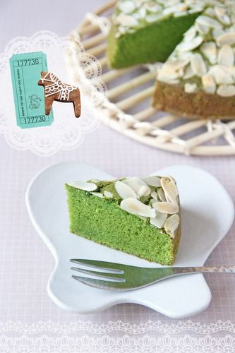 Matcha cake - keto version! http://thebaconthief.blogspot.com/2013/06/matcha-aka-green-tea-steamed-cake-low.html#more - can add ounce of cheesecake/or add as 'frosting'
