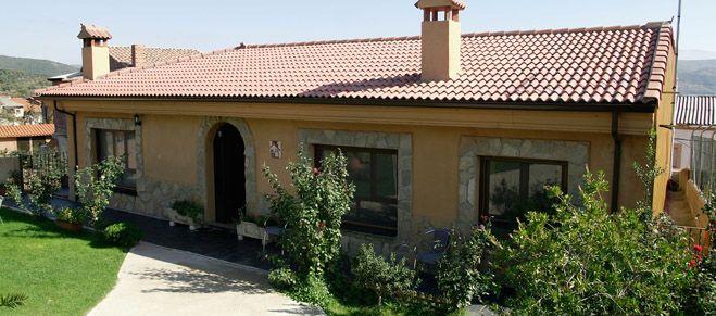 Casa Arroal cuenta con dos casas rurales completas en Sotoserrano, en Salamanca, en pleno Parque Natural de las Batuecas-Sierra de Francia.