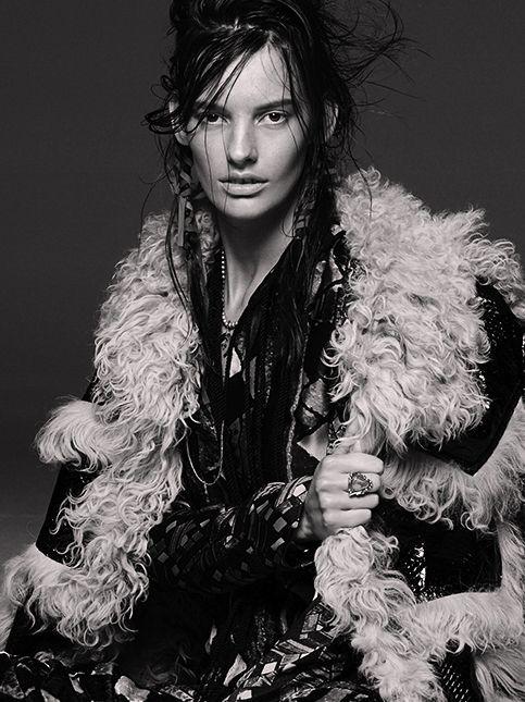 amanda murphy sexy hair vogue australia grunge hairstyle shot in brooklyn at root studio   nyc   Credits  photo: greg kadel, hair : nicolas jurnjack, make up: mariel barrera, styling: katie mossman