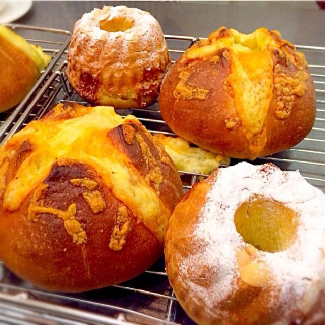 こないだ行ったパン教室 ◎ココナッツクグロフ ◎チーズコンプレ - 73件のもぐもぐ - ホシノ天然酵母のパン教室 by 有山