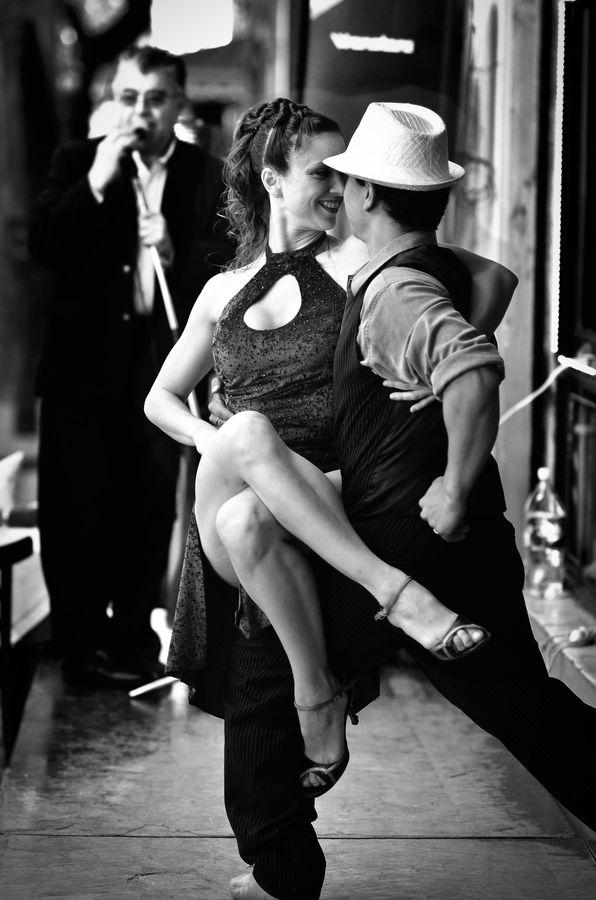 Tango dancers  by Andrea  Rapisarda Travel Gateway VIPsAccess.com