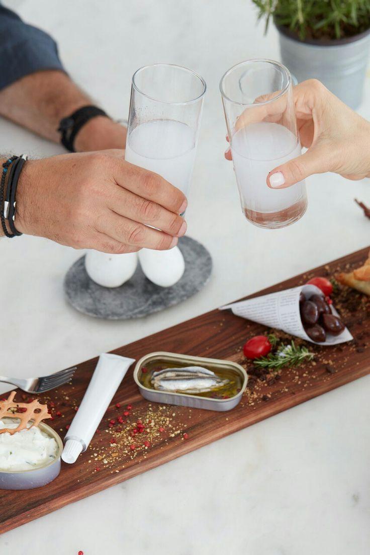 Meze plate with #homemade #pie, #Mykonian #Copanisti,#Olives, #anchovy, #localproducts #localdelicacies #Enjoy!  #archipelagosmykonos #archipelagosliving #SLH #mykonos #summer2016 #photooftheday