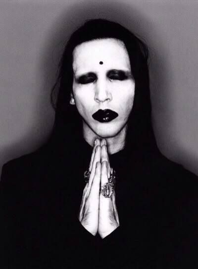 Marilyn Manson / Metal / Rock / Music Bands / Photography // ♥ More at: https://www.pinterest.com/lDarkWonderland/