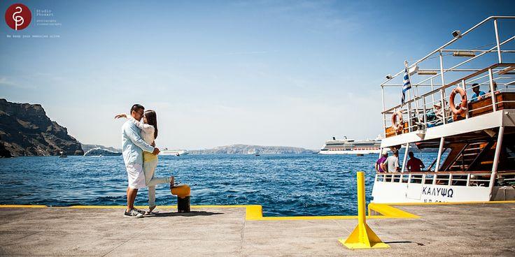 Pre-wedding photos from Phosart in old port Gialos of Santorini , Greece  #prewedding #couple #photos #photoshoot #destination #santorini #islands #love #story #phosart