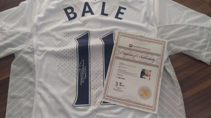originele Gareth BALE #11 ondertekend orginele Tottenham Hotspur huis jersey autograph  COA  originele Tottenham Hotspur huis jersey hand ondertekend door GARETH BALE op een prive-ondertekening sessie op 12 februari 2013 met A1 sport Memorabilia.Shirt is met officiële Tottenham Hotspur belettering en ondertekend met grote duidelijke handtekening op het nummer 11.Dit fantastische shirt is werkelijk hand in zilveren viltstift ondertekend door GARETH BALE geweest!Hand ondertekend is een privé…