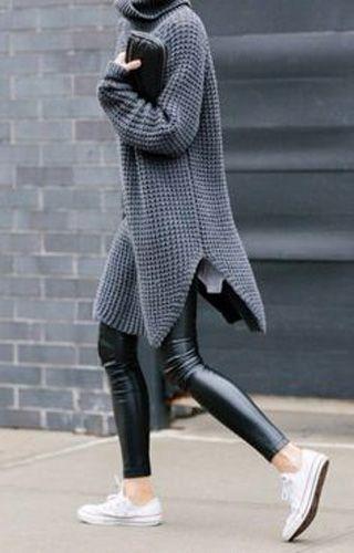Oversized winter knits. Het fijnst aan de herfst? Jezelf kunnen begraven in warme truien en heerlijk langs sjaals. Weet jij nog niet zo goed welke..