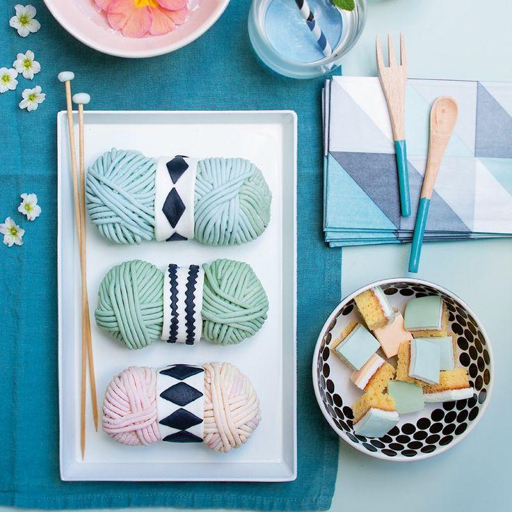 Recette : des gâteaux en forme de pelotes de laine - Recipe : ball of yarn shaped cakes / Marie Claire Idées