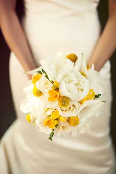 the bride's café - real wedding - california garden wedding - bride - bridal bouquet - roses, peonies, freesia & billy balls