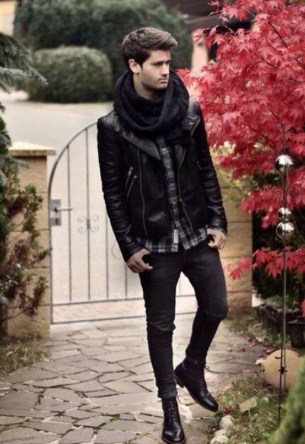 Perfecto , jeans (slip) noir , écharpe noir , chemise caro