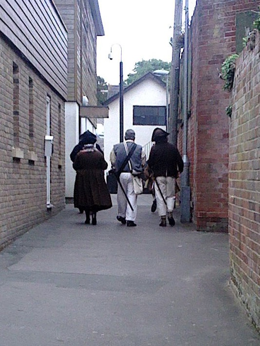 Saw these anachronistic dudes in Bowling Green Lane, Newport. Dandy highwaymen? Or on a day pass from Wroxall.