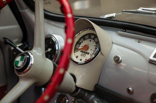 Interior classic Fiat 500 #fiat500 Steyr Puch 650TR oder ?  Auf alle Fälle ein Tacho bis 160, nicht alltäglich